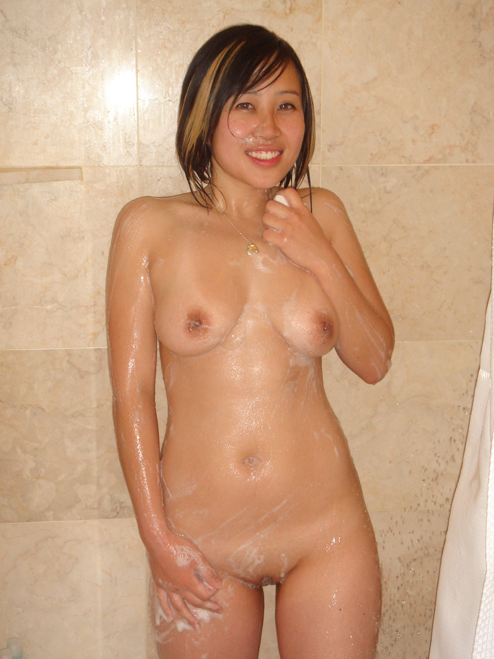 girl spreads and pees