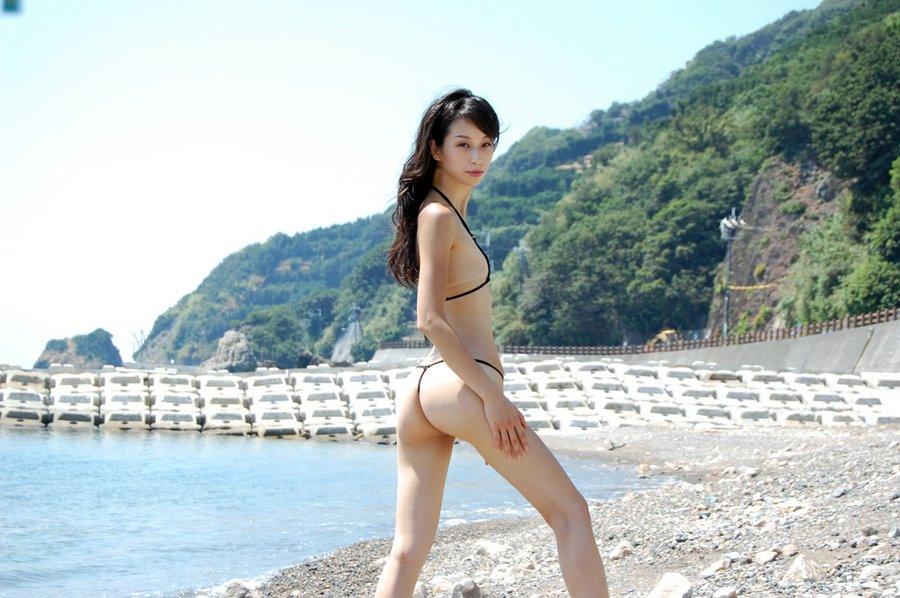 asiangirlfriend wp content uploads 2011 08 bikini 1