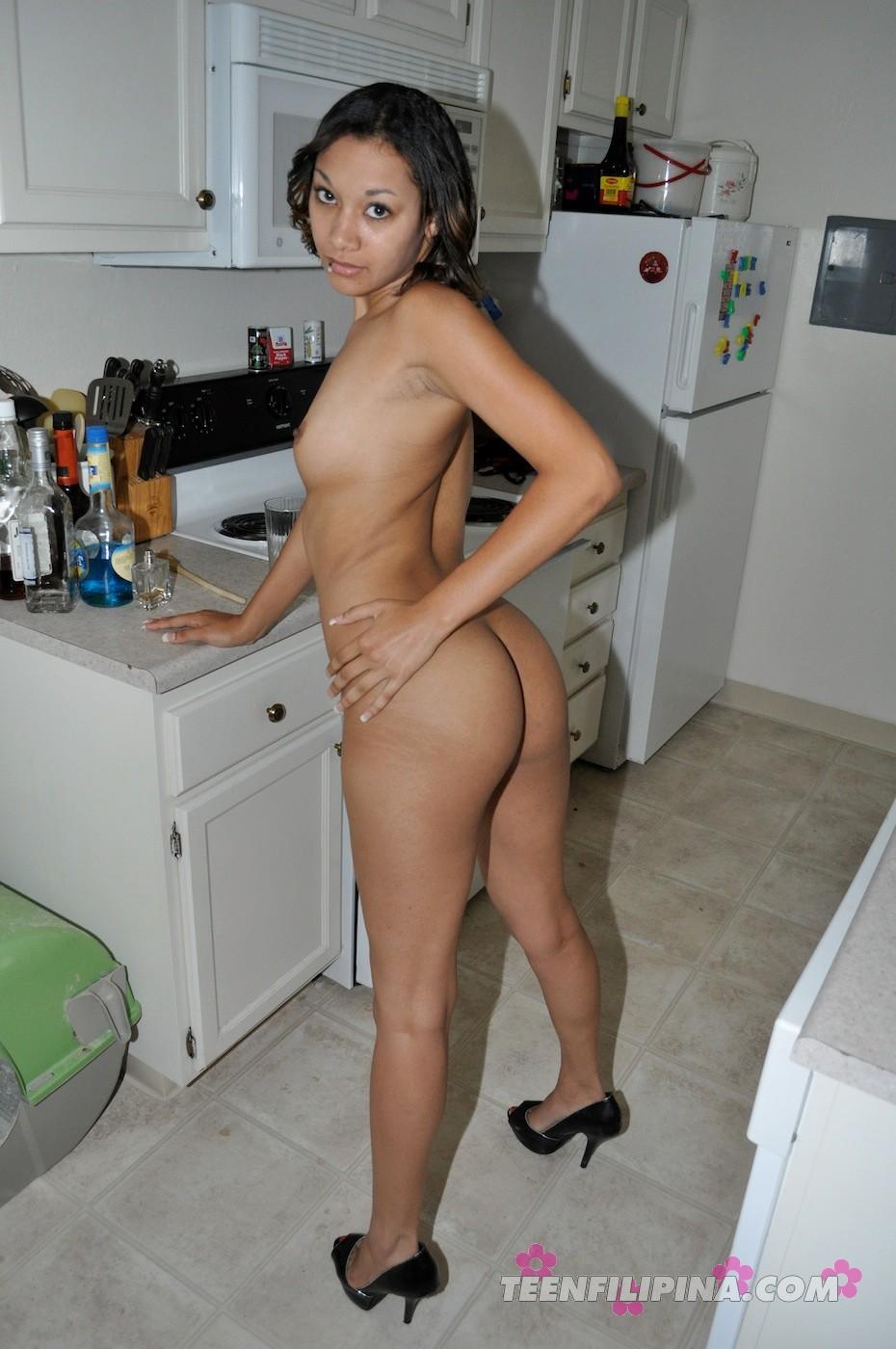 naked black women in kitchen